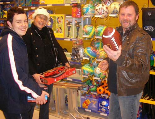 Andy, Debbie and Gary attack Toys R Us in Finland